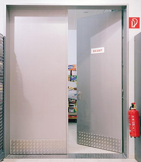 установка общей железной двери